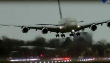 """პილოტის """"უმაღლესი პილოტაჟი"""" ლონდონის აეროპორტში!!!"""